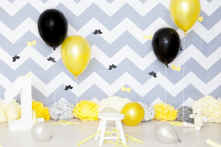 Black And Yellow Balloon Centerpieces