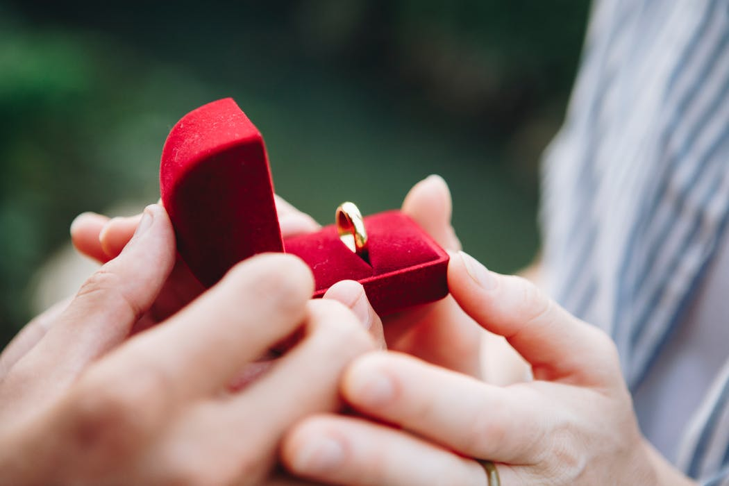 Details That Buyers Of Engagement Rings In Brisbane Should Acknowledge